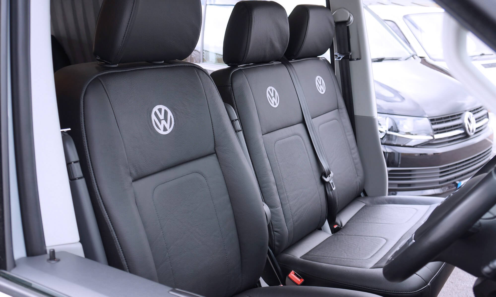 dront_captain_seat_and_bench_seat_reupholstered_VW_t5