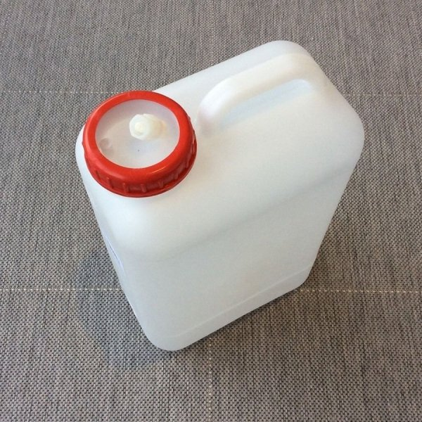 Reimo_water_container_19l_for_campervan_motorhome_VW_T5_T6.JPG