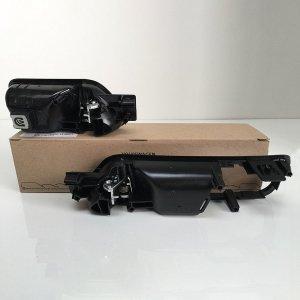 VW-Caddy-chrome-handles-back