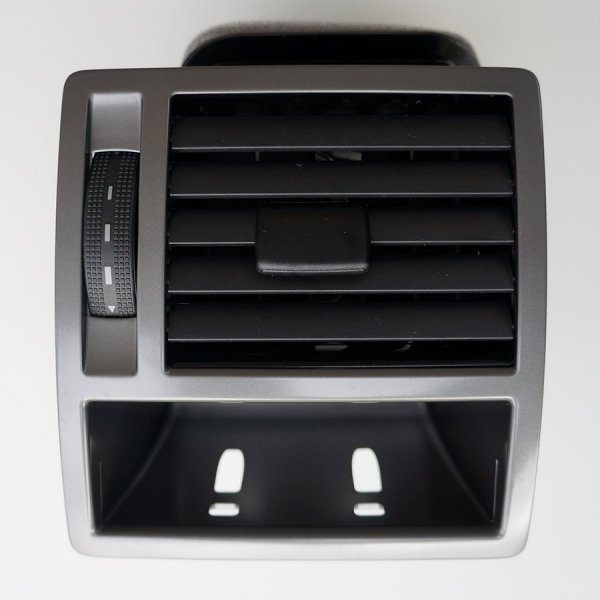 VW-highline-dash-vent-near-side-