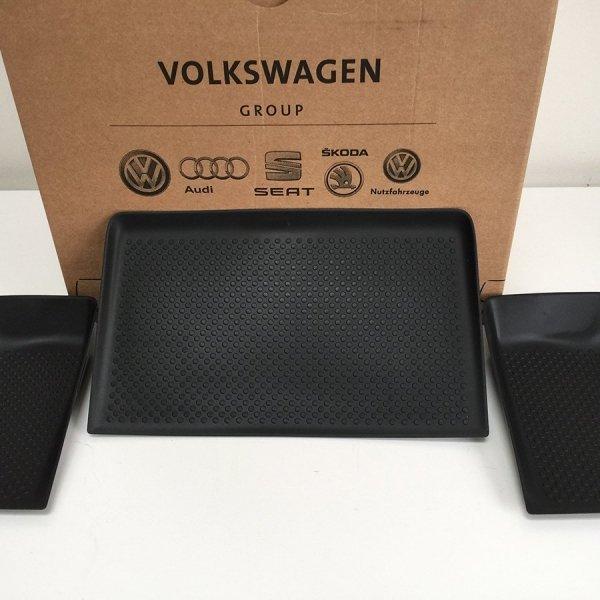VW_T5_dash_mat-three_genuine_set