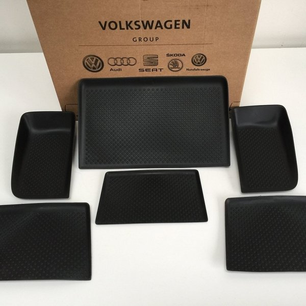 VW_T5_highline_complete_dash_mat-six_part_set