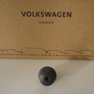 anthracite-panel-clip-genuine-vw