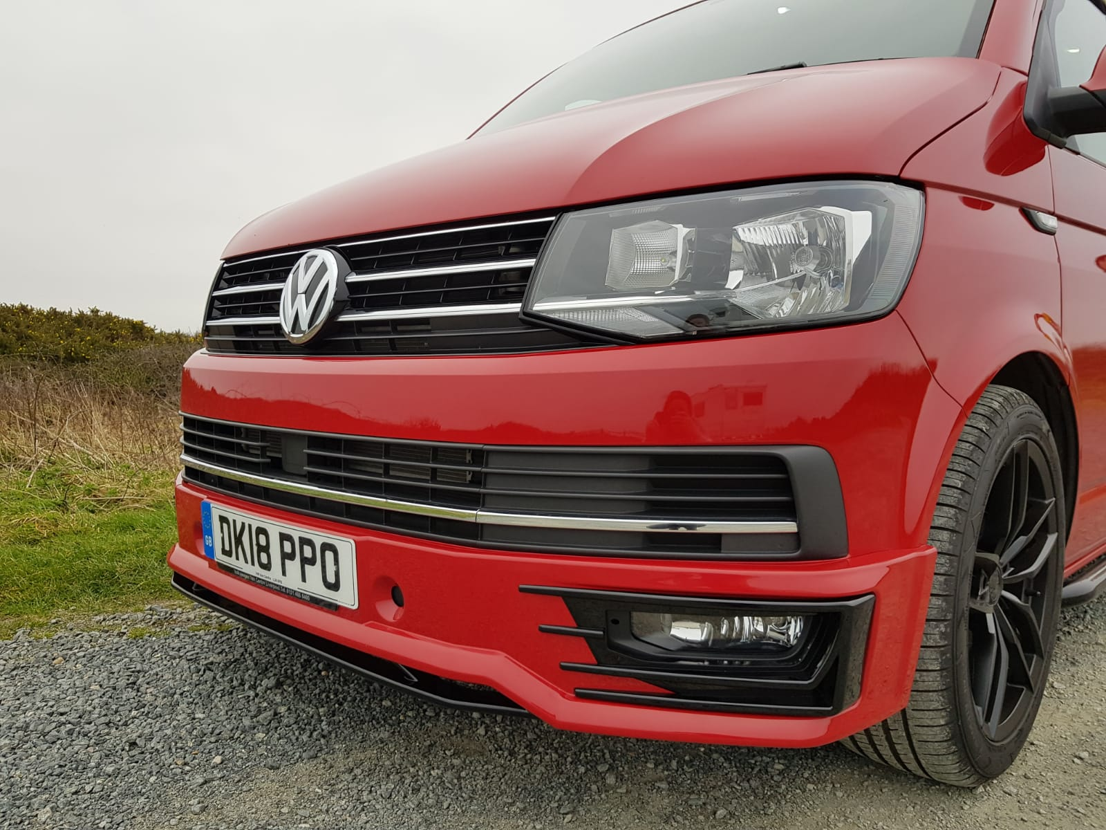 Cherry-red-kombi-dsg-vw-t6-front-grill-1