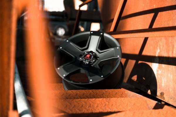 Tomahawk-outlaw-swamper-wheel-vw-t5-t6